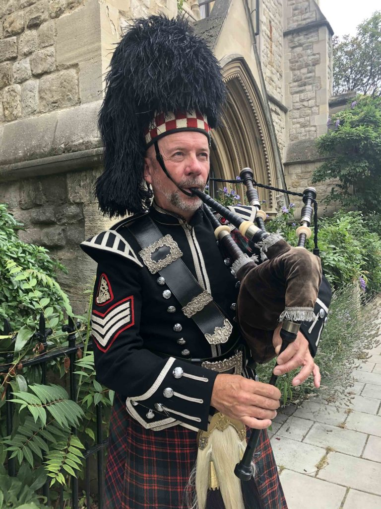 bagpipers for hire